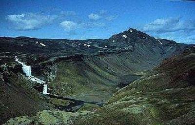 卡特拉火山(冰岛语:katla)是冰岛南部的一座大型活