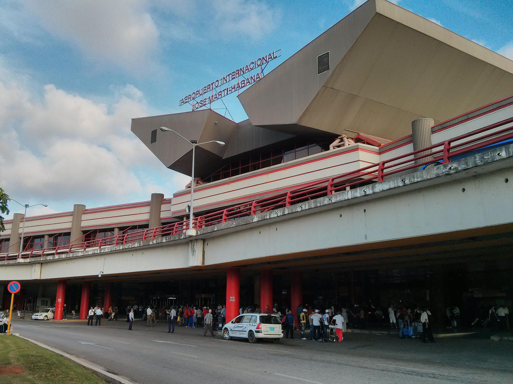 """""""古巴机场""""的图片搜索结果"""